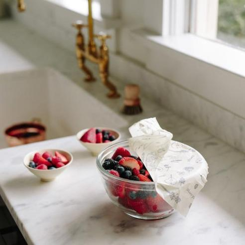 abeego_beeswax_wrap_on_bowl_of_berries_900x